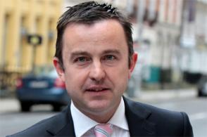 Hayes calls on banks to release funds for mortgages