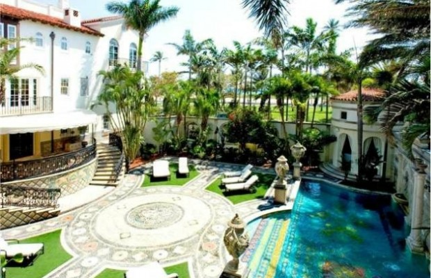 Versace mansion goes on the market