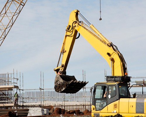 Output continues to fall in construction sector