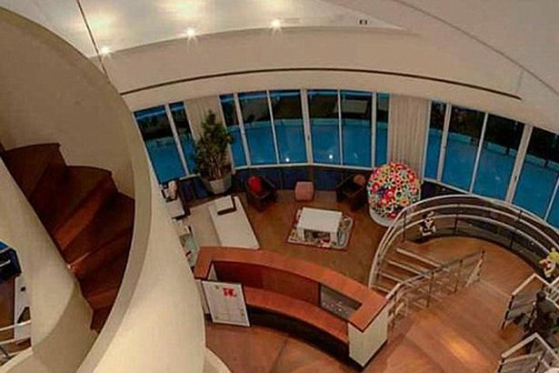 Pharrell-Williams-lists-his-Miami-penthouse-3